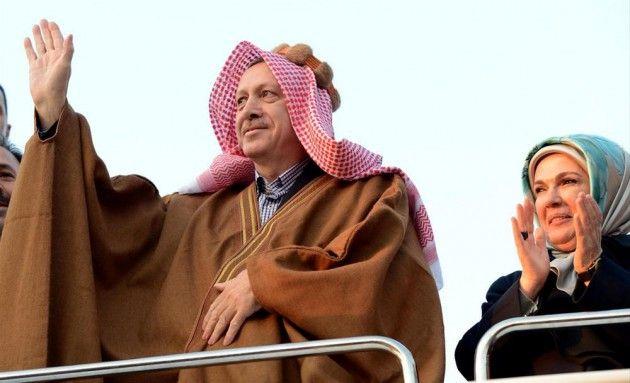 Erdoğan Şanlıurfa'da aba giydi!