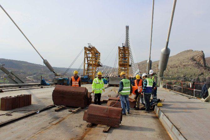 Üçüncü köprünün bitmesine 6 metre kaldı