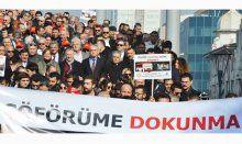 """İzmir'de """"Şoförüme Dokunma"""" yürüyüşü"""