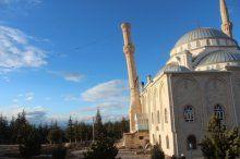 Risk taşıyan minare böyle yıkıldı