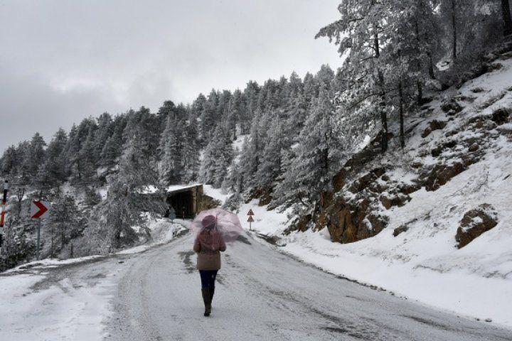 Zigana Dağı buzdan örtüsünü giydi