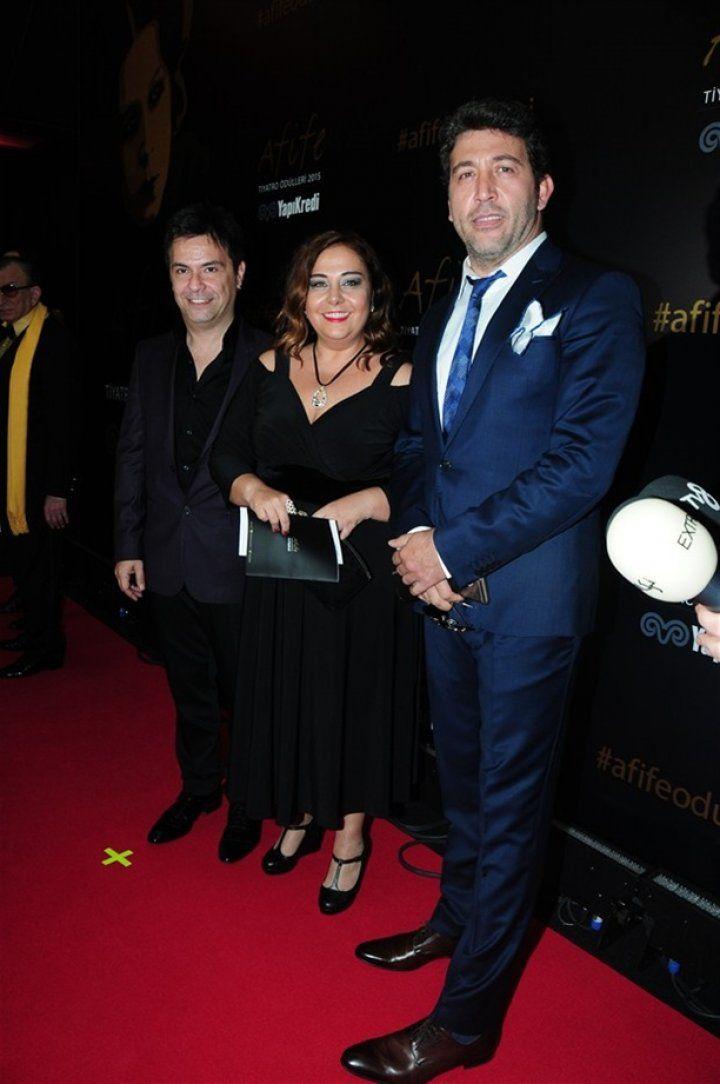 19. Afife Tiyatro Ödülleri Töreni'nde şıklık yarışı!