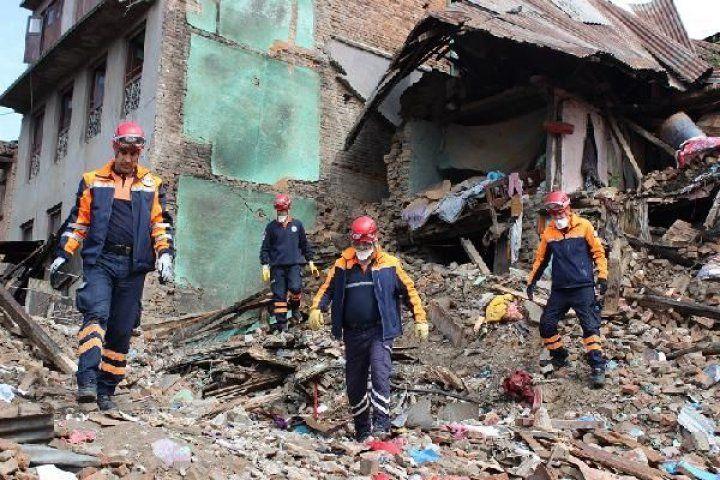 AFAD ekipleri enkaz çalışmalarına devam ediyor