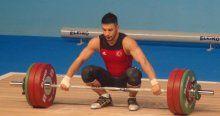 Daniyar Ismayilov, halterde 3 altın madalya kazandı
