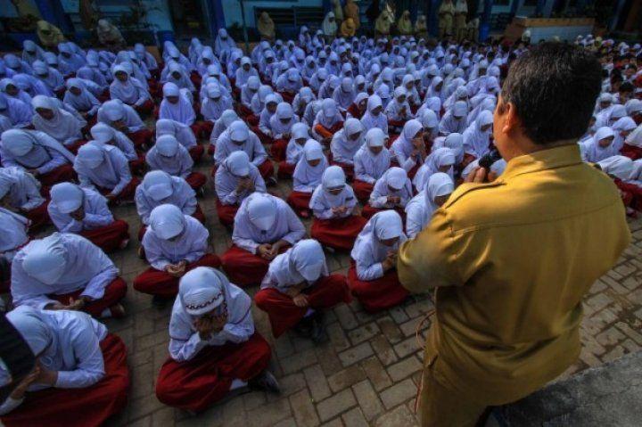 Endonezyalı öğrenciler Rohingya Müslümanları için dua etti