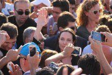 Angelina Jolie, Mardin'de mülteci kampını ziyaret etti