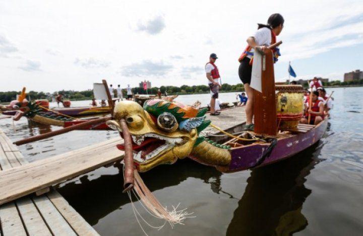 25. Geleneksel Hong Kong Dragon Bot Festivali