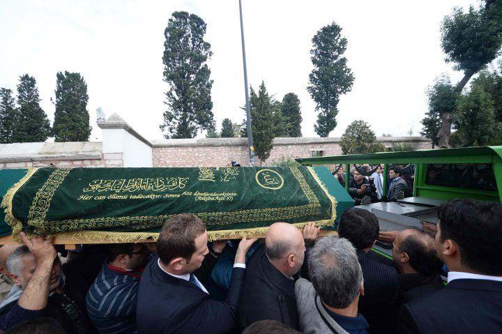 Erdoğan eşinin amcasının cenazesinde