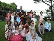 Cumhurbaşkanı Erdoğan çocuklarla güldü oynadı