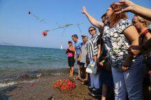 Küçük Aylan cansız bedeninin vurduğu sahilde anıldı