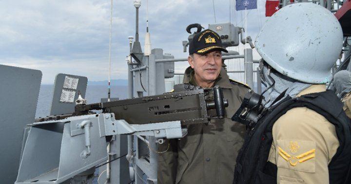 Orgeneral Akar Deniz Kuvvetleri unsurlarını inceledi
