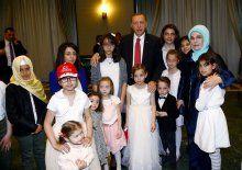 Fotoğraflı haber; Erdoğan çocuklarla bir araya geldi