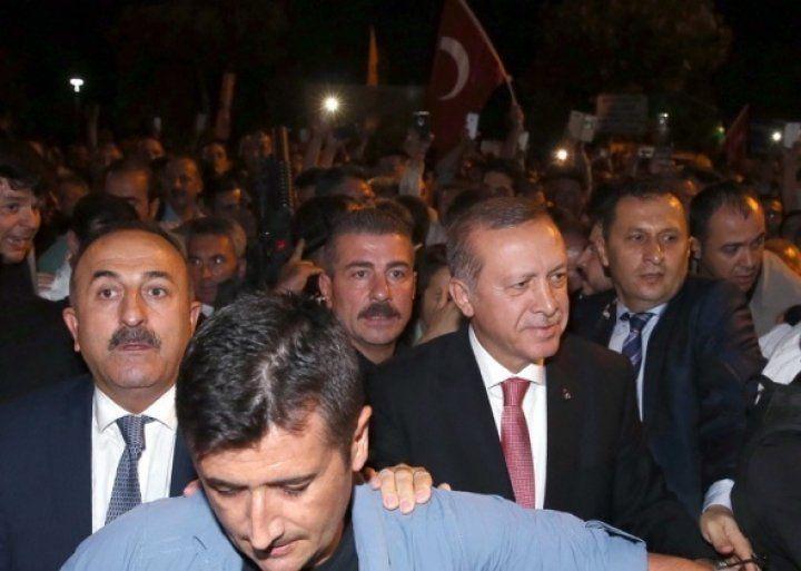 Cumhurbaşkanı Erdoğan demokrasi nöbetinde