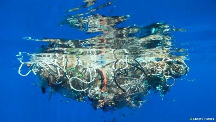Denizlerdeki çöp yığını!