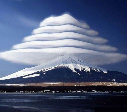 Dünyadan inanılmaz bulut görüntüleri!