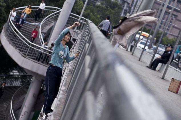 Köprüden kendini böyle attı