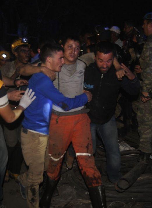 Soma'da acı bekleyiş! Türkiye duada