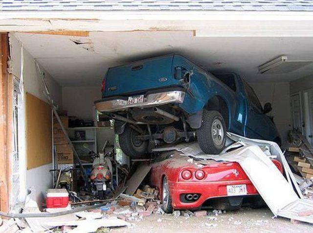 Feci kaza; Otomobil bu hale geldi