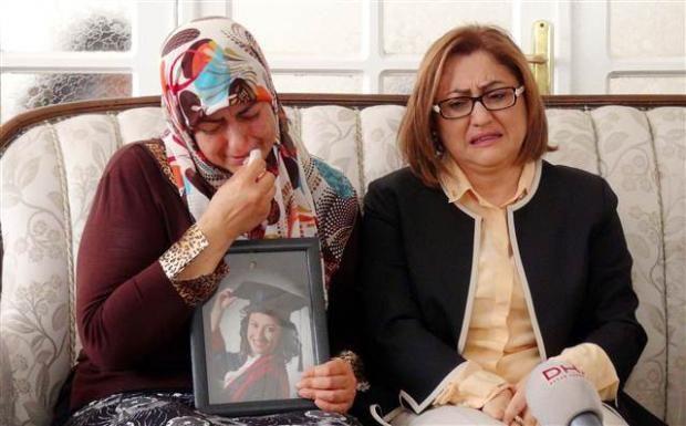 Fatma Şahin, PKK'nın kaçırdığı Büşra Esendemir'in ailesini ziyaret etti