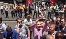 Rehine can, onlar selfie derdinde