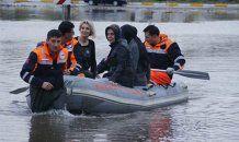 Sağanak yağmur Kocaeli'de etkili oldu