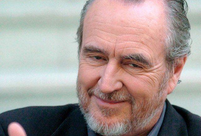Korku filmlerinin unutulmaz yönetmeni Wes Craven hayatını kaybetti