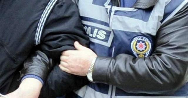 Antalya'da 'devlet büyüklerine hakaret'ten 3 kişi tutuklandı