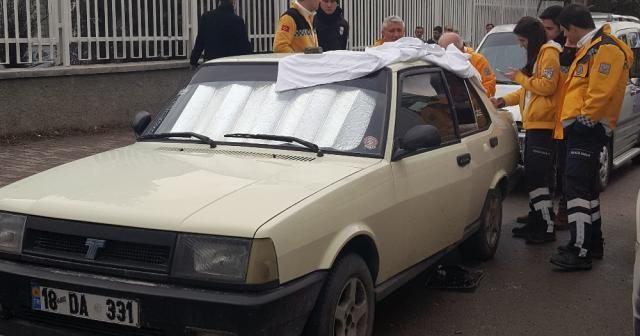 Hastane personeli otomobilinde ölü bulundu