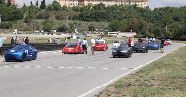 Elektrikli araçlar kıyasıya yarıştı