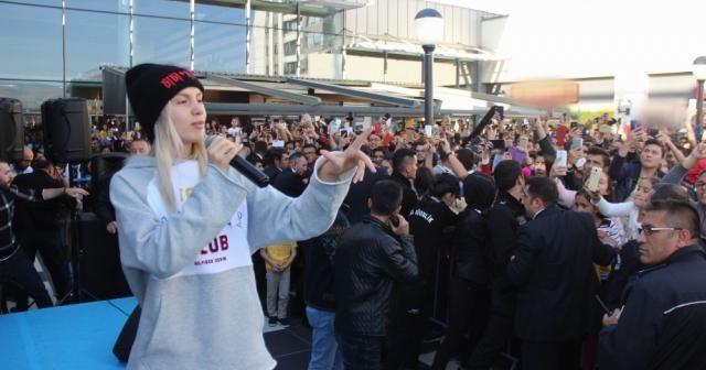 Aleyna Tilki konserine yoğun ilgi