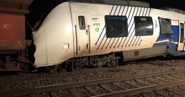Almanya'da tren kazası: 50 yaralı