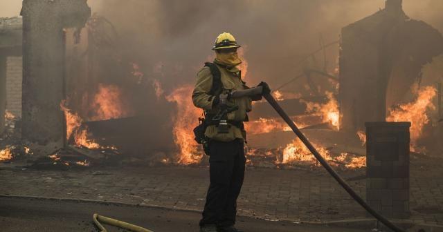 Kaliforniya'daki yangın kontrol altına alınamıyor