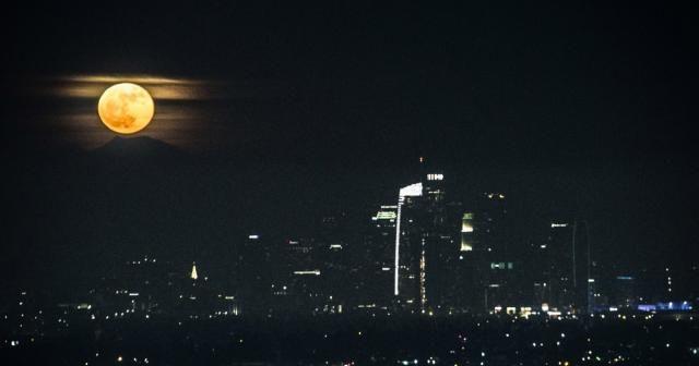Süper Ay Los Angeles'tan izlendi