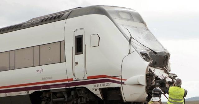 ABD'de iki tren çarpıştı: 2 ölü, 50 yaralı