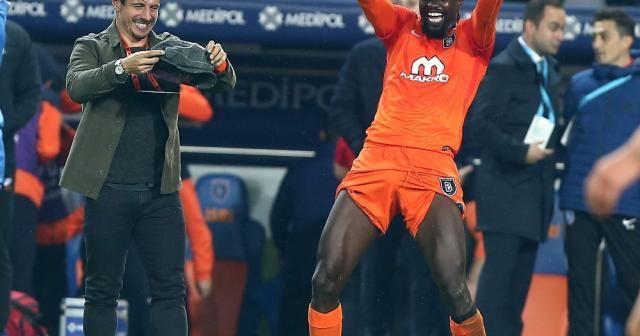Adebayor Fener'in golcülerini katladı