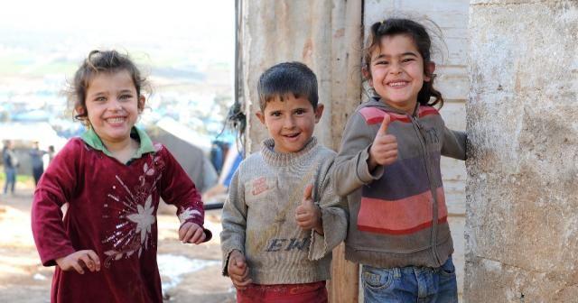 Atme'de her şeye rağmen çocukların yüzü gülüyor