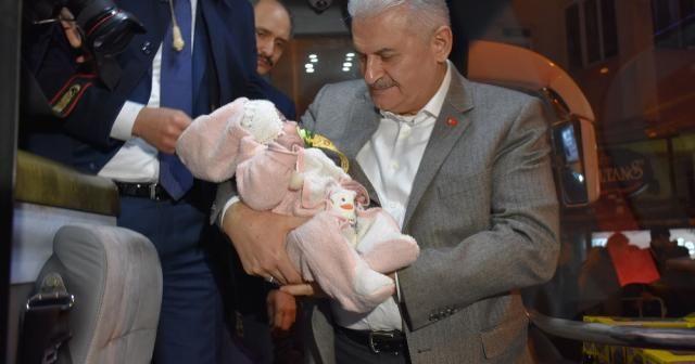 Başbakan'a Balıkesir'de sevgi seli