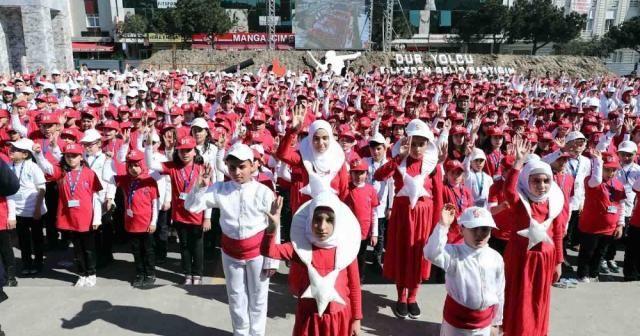 Bin 380 çocuk işaret diliyle okudu: Rekor geldi !