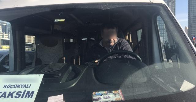 Bonzai etkisindeki servis şoförü direksiyon başında sızdı