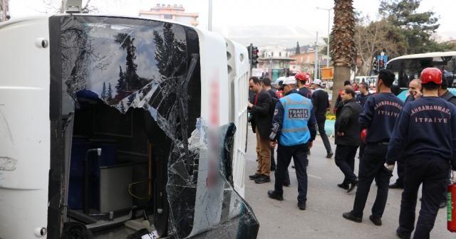Freni patlayan halk otobüsü yan yattı: 29 yaralı