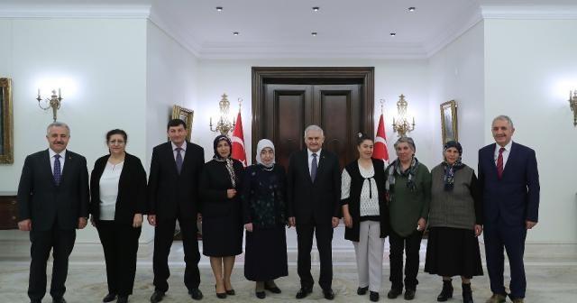 Yıldırım, köyünü Türkiye'ye tanıtan Zümran Ömür'ü kabul etti