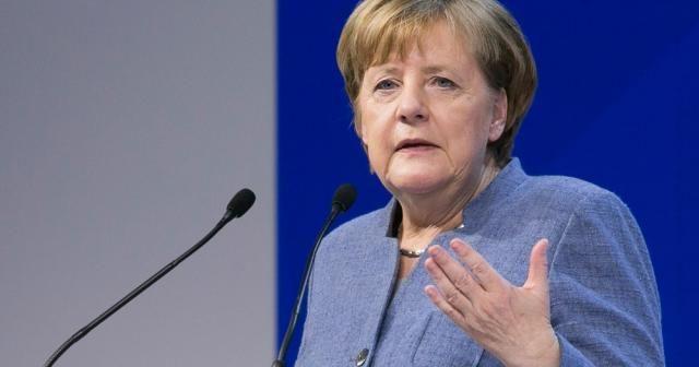 Merkel: Avrupa-ABD ilişkileri darbe aldı