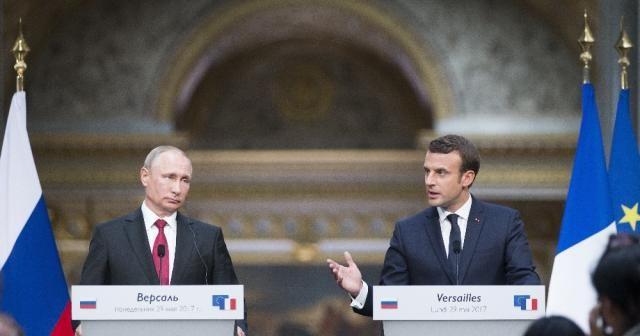 Putin Macron'la görüştü