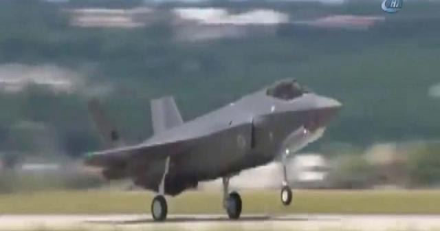 Türk F-35 uçağı ilk uçuşunu yaptı