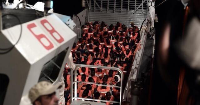 İspanya'dan İtalya ve Malta'nın reddettiği mültecilere yardım eli