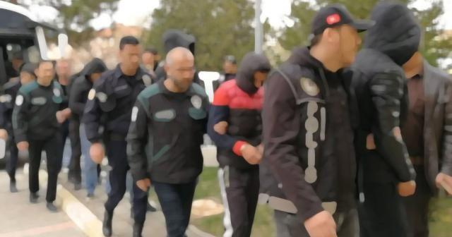 Çanakkale'de FETÖ operasyonu: 12 tutuklama