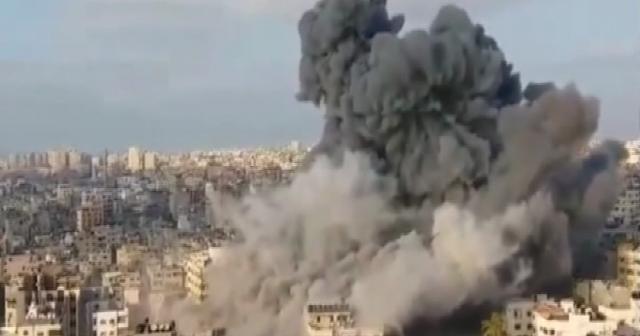 İsrail, Gazze'yi bombalıyor