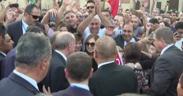 Erdoğan'a Azerbaycan'da sevgi seli