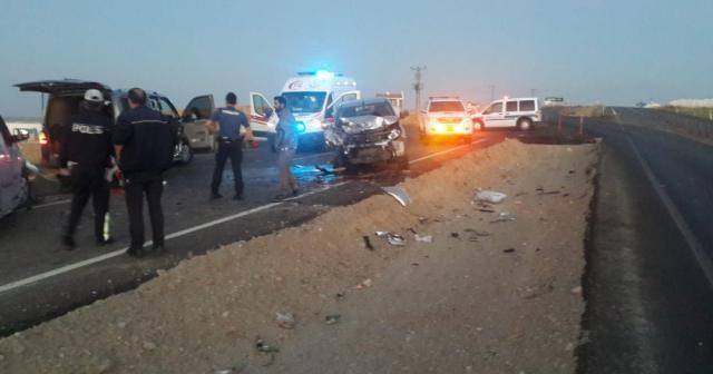 Gelin konvoyunda kaza: Damat, annesi ve amcası öldü