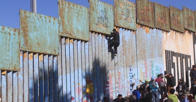 ABD sınırına ulaşan göçmenlerin kalacak yeri yok